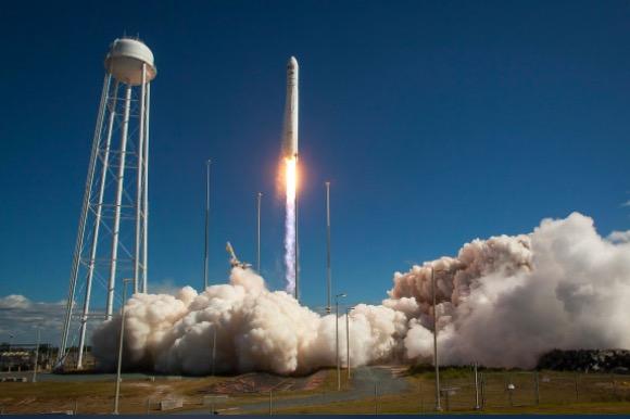 贝索斯旗下蓝色起源抗议NASA将29亿美元的登月合同授予SpaceX