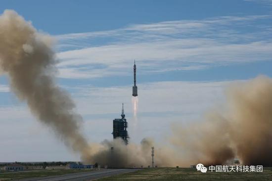 长二F发射神十二飞船圆满成功!三名航天员飞向空间站天和核心舱
