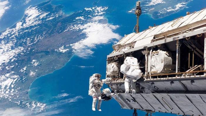 spacewalk-1280x720.jpg